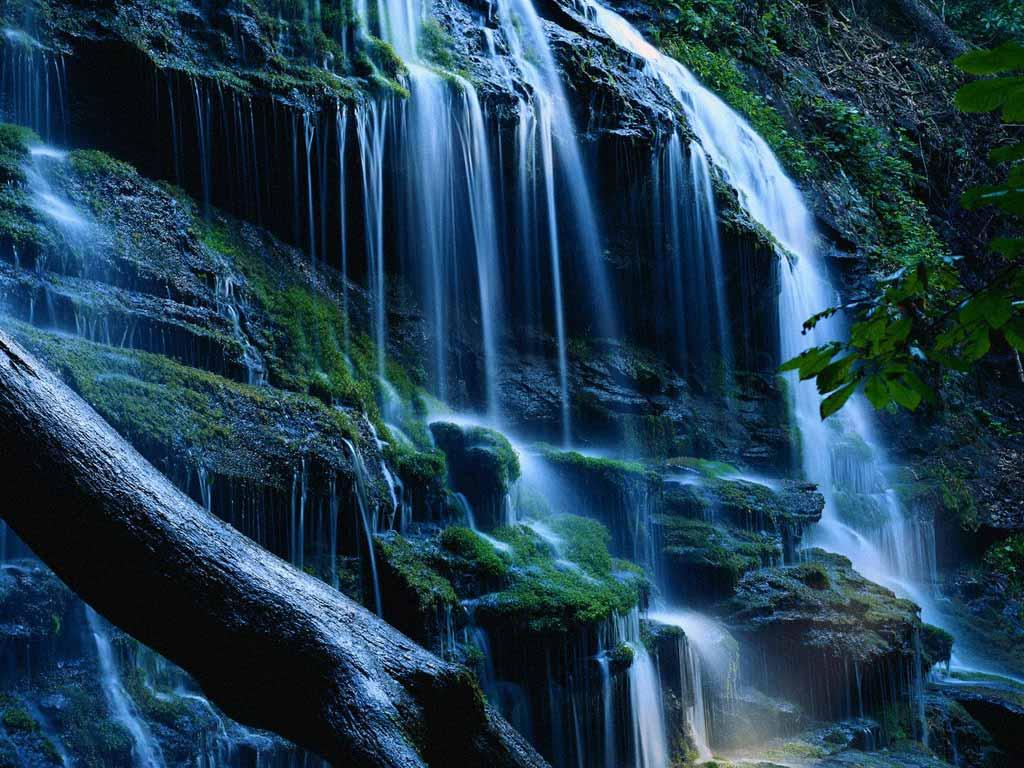 beau fond écrans des chute d'eau